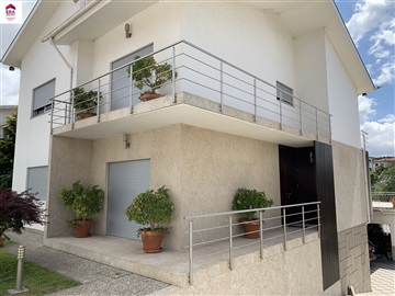 Detached house T3 / Guimarães, Silvares