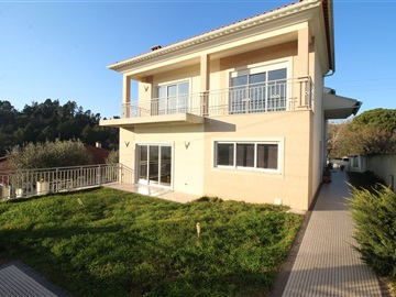Detached house T4 / Coimbra, Assafarge