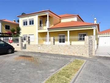 Detached house T4 / Torres Vedras, Silveira