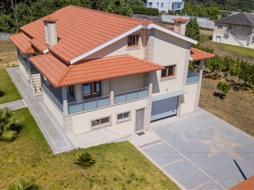 House T3 / Amares, Fiscal