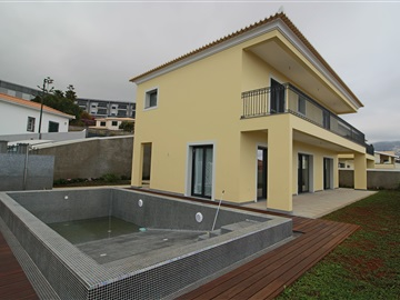 House T3 / Funchal, Barreiros