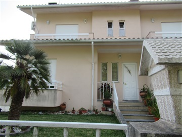 Semi-detached house T3 / Albergaria-a-Velha, Laginhas
