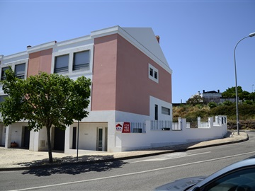 Semi-detached house T4 / Oeiras, Queluz de Baixo